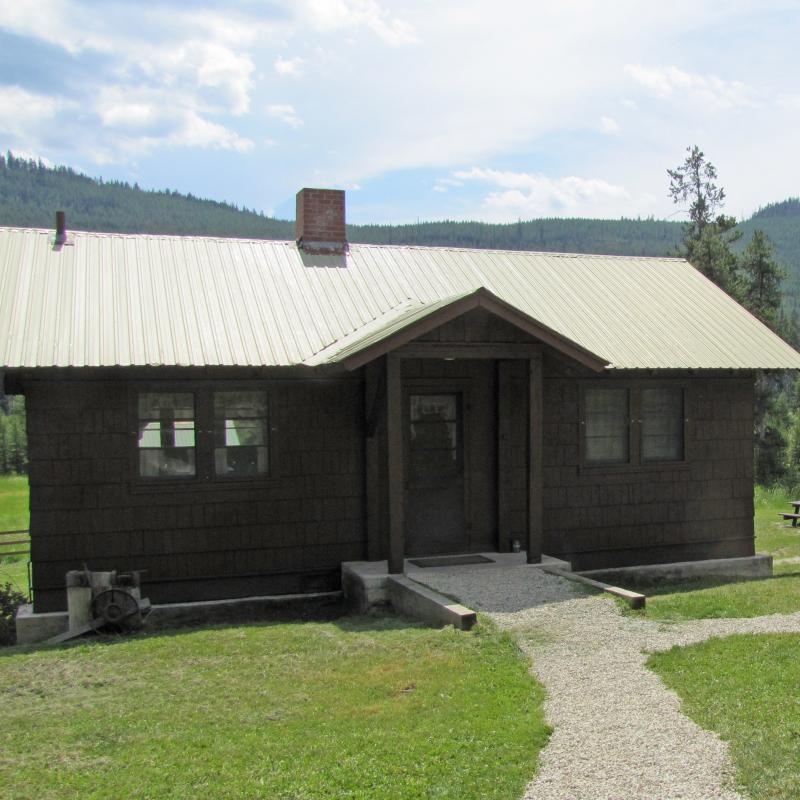 Star Meadow Guard Station Cabin
